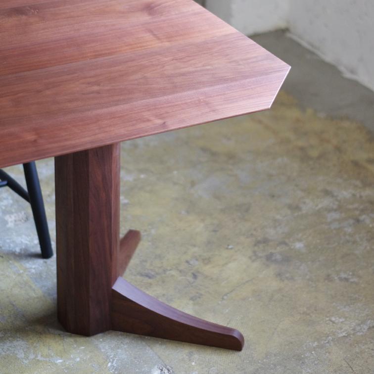 DORTE Dining Table (LUFT design)