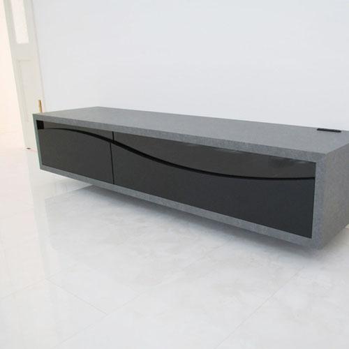 ウェーブデザインのTVボード