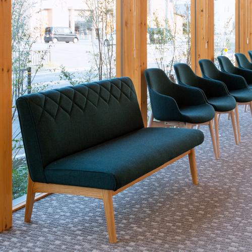 待合スペースの家具