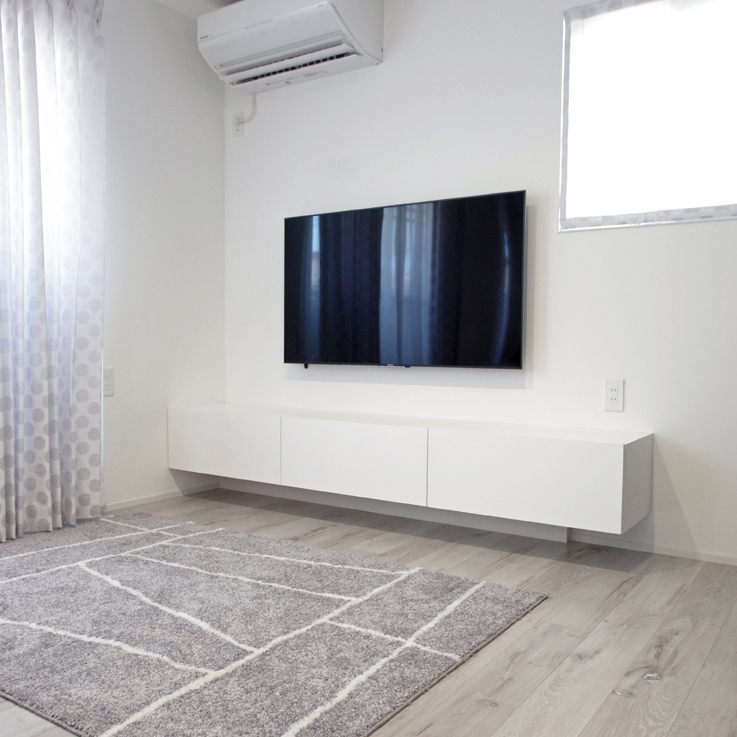 白いテレビボード