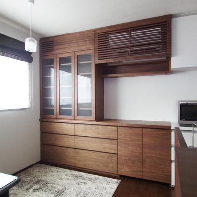 キッチン収納とエアコンカバー