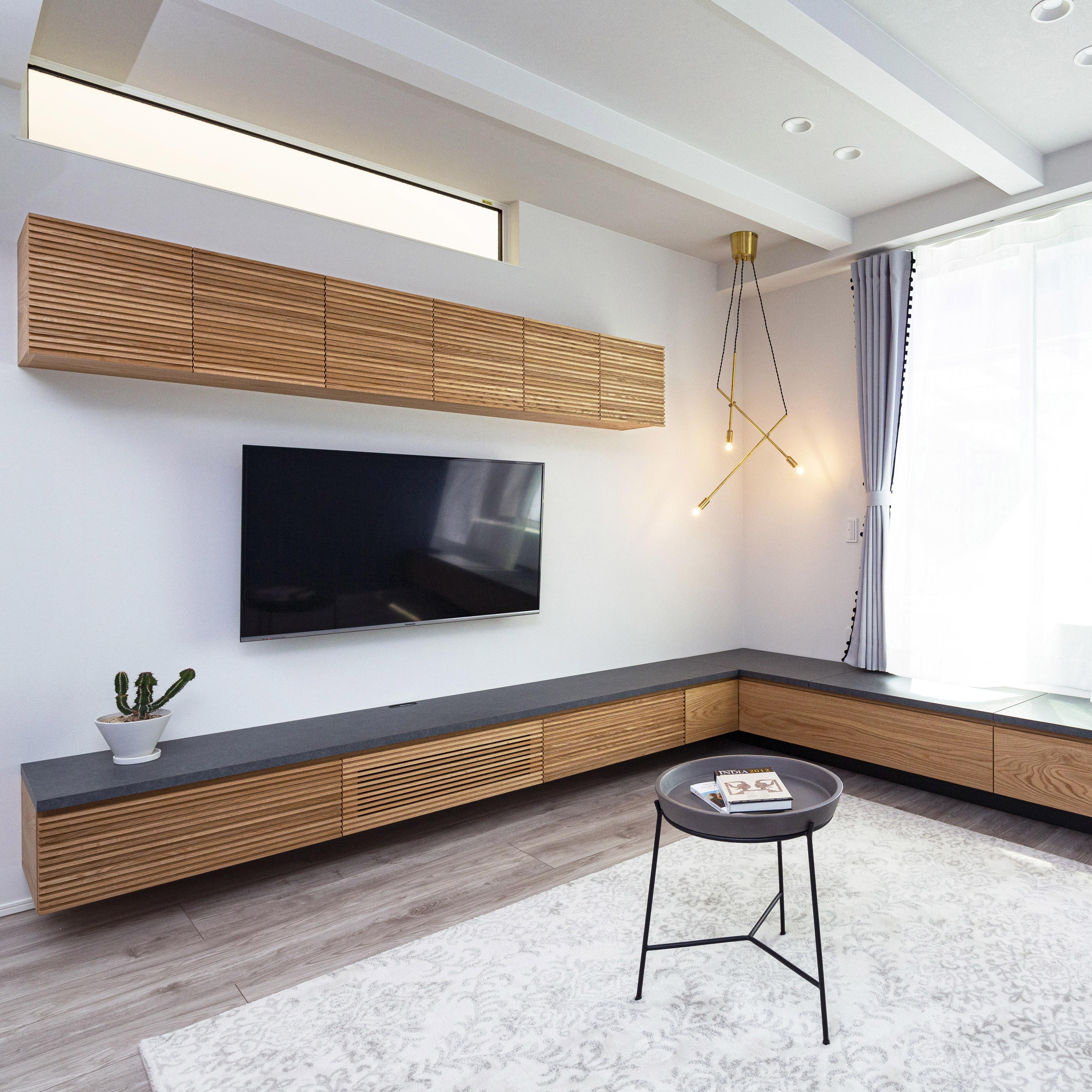 テレビボードと収納付きベンチ
