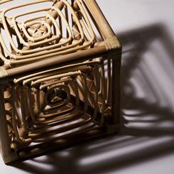 サイコロ椅子(岡本太郎)